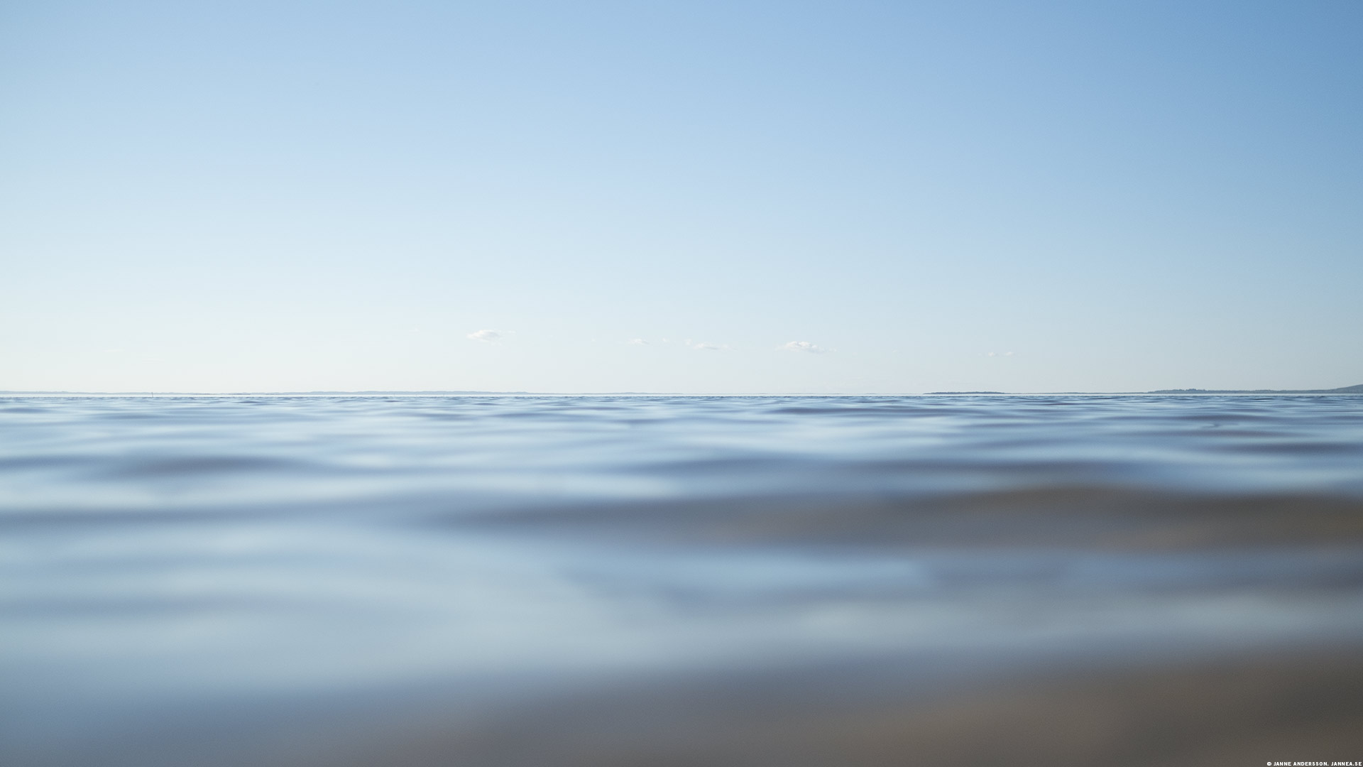 Sjön vättern och stilla vågor | © Janne A