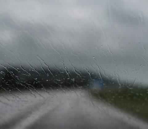Regnig framruta  ©Janne A