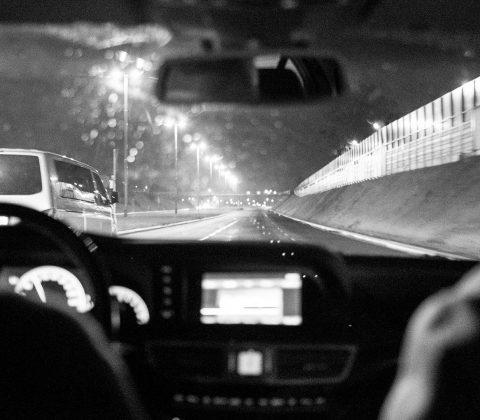 I en taxi på väg till flygplatsen|© Janne A
