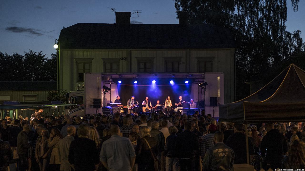 Sommarknäppen i Vadstena |© Janne A