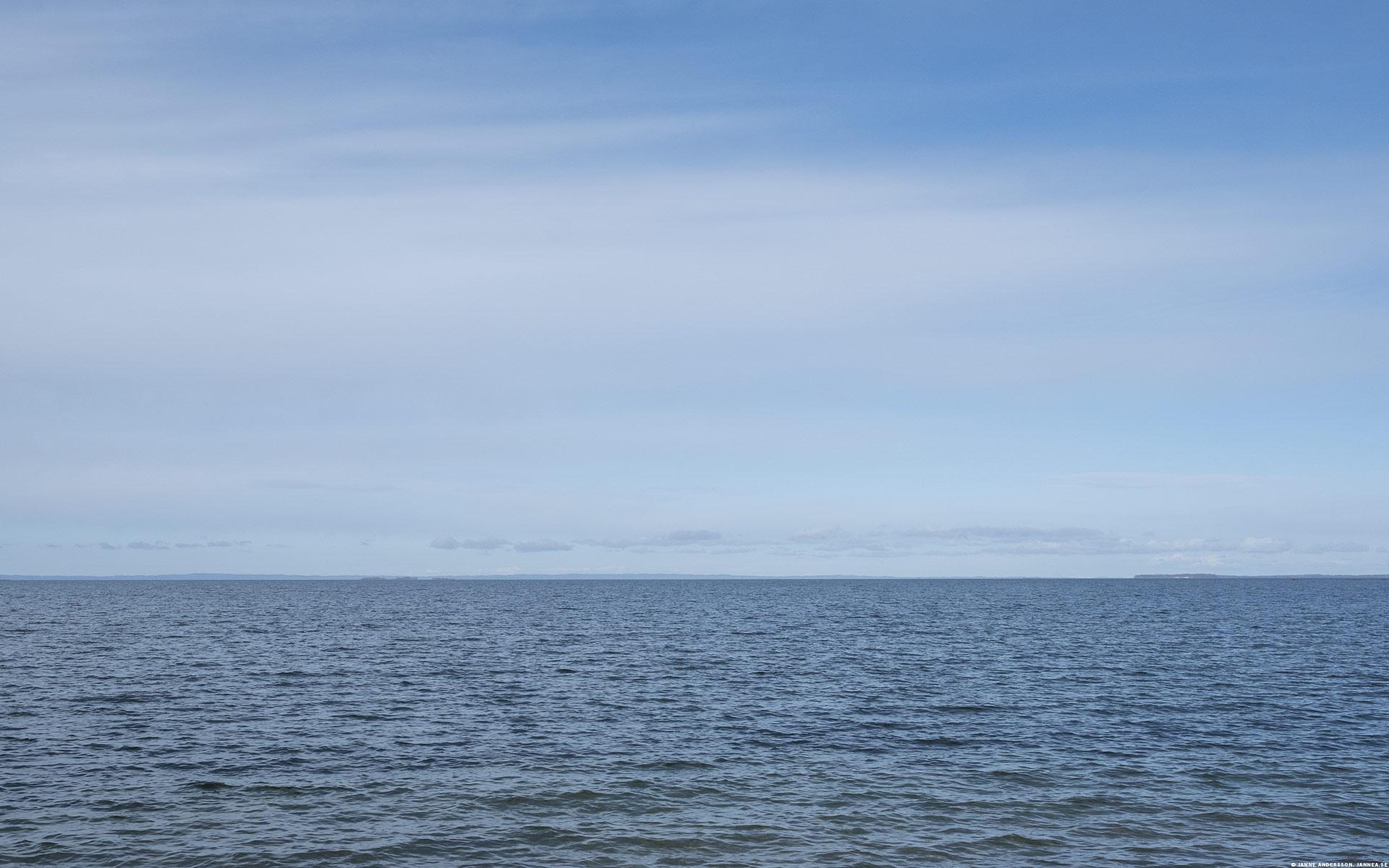 Vättern – en blå sjö och en blå himmel |© Janne A