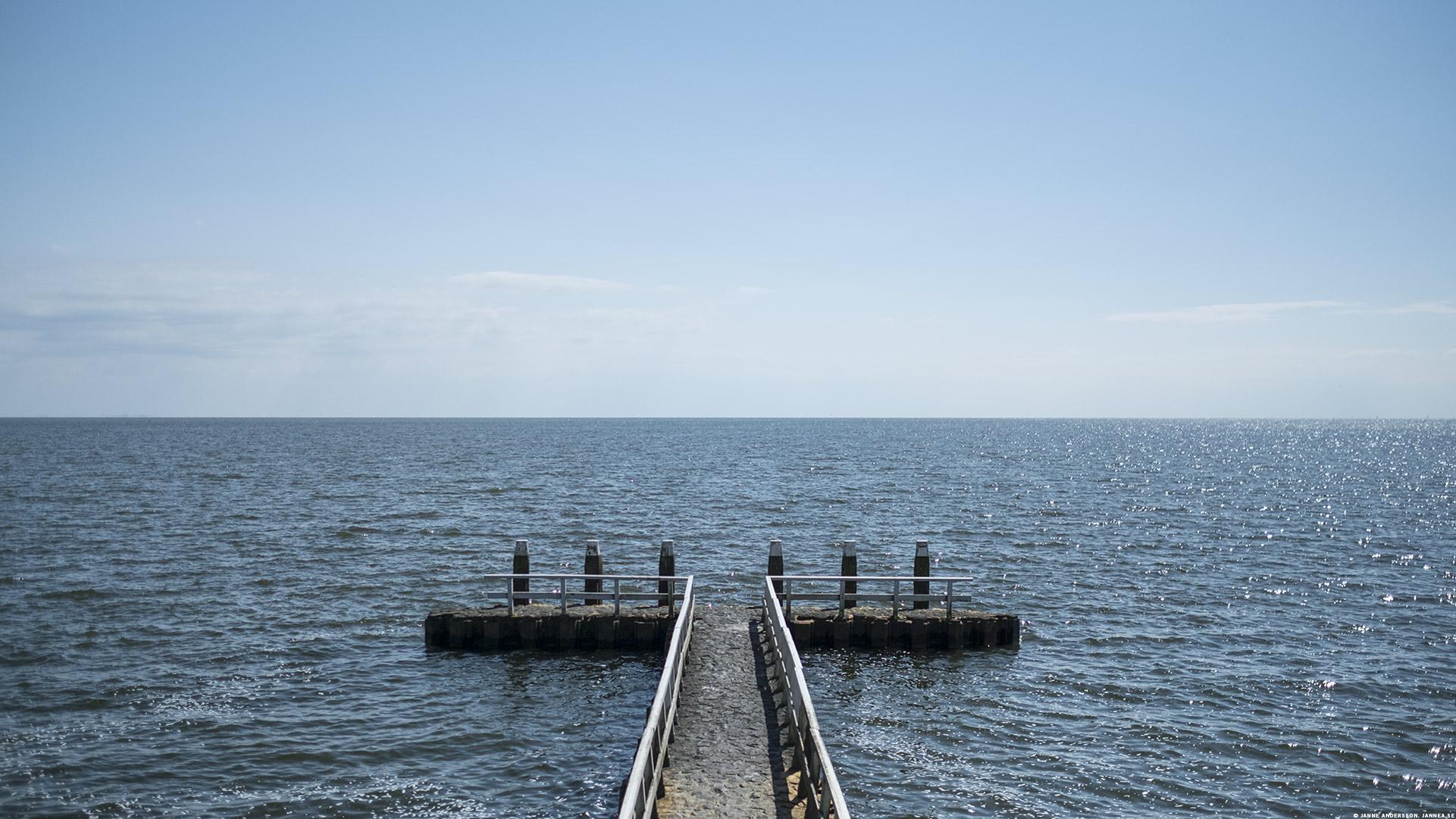 Motorvägen i havet – Afsluitdijk |© Janne A