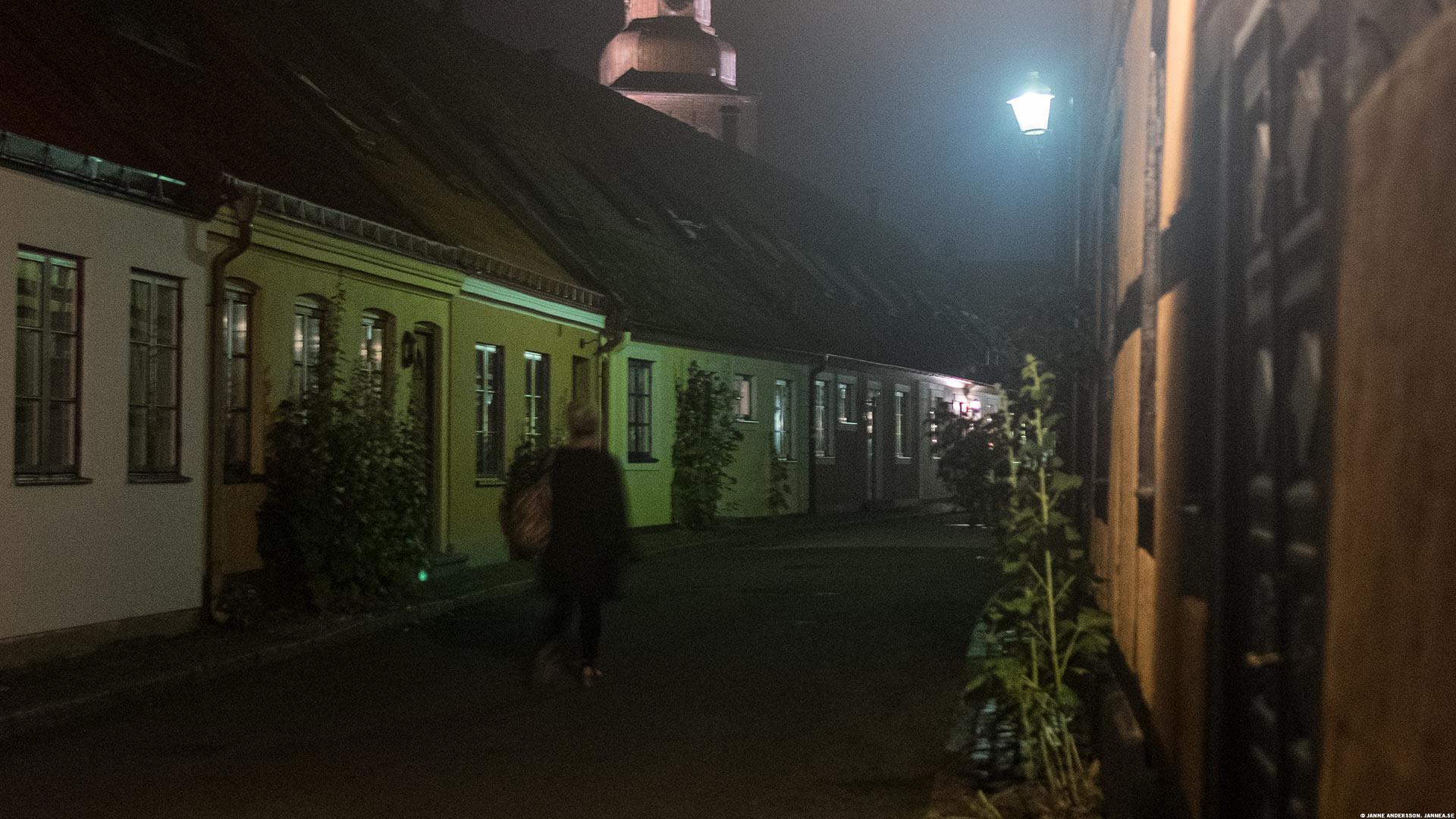 Anna, på väg hem från Fia, Ystad |©Janne A