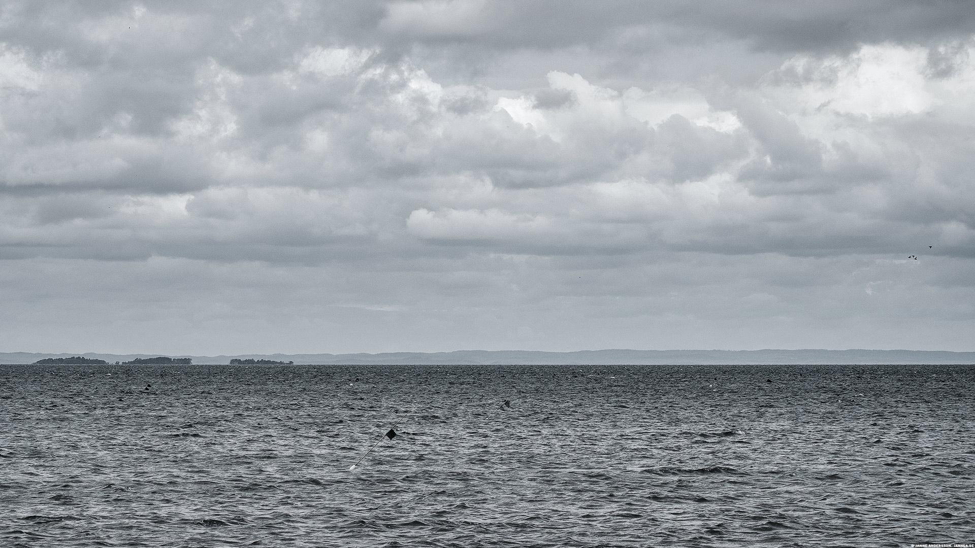 Vätterns vatten och moln  ©Janne A
