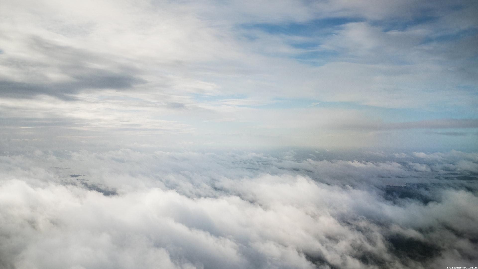 Ovanför molnen är det inte grått|©Janne A