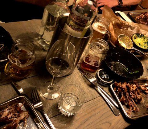 Middag i goda vänners lag |©Janne A