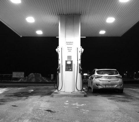 Pendla, tanka bilen och hem |©Janne A