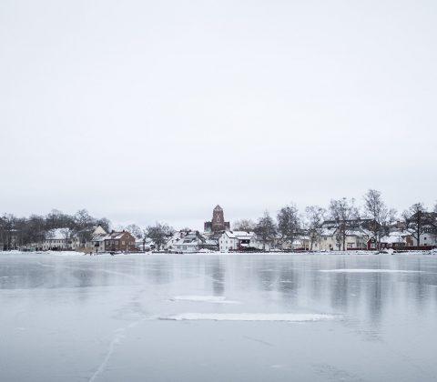 Världens vackraste Vadstena och istäckt Vättern | © Janne A