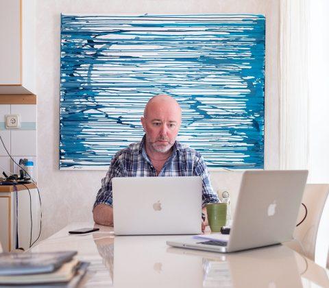 Det där att sitta hemma och jobba-selfie |© Janne A
