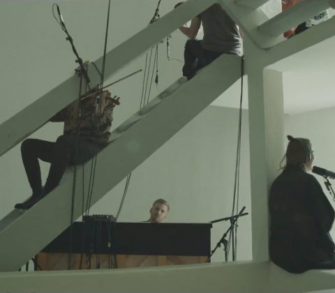 """Oafur Arnalds feat. Nanna Bryndis """"Particles"""""""