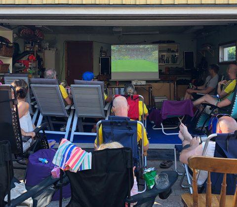 Fotbollsfest hemma hos Micke och Lina  ©Janne A