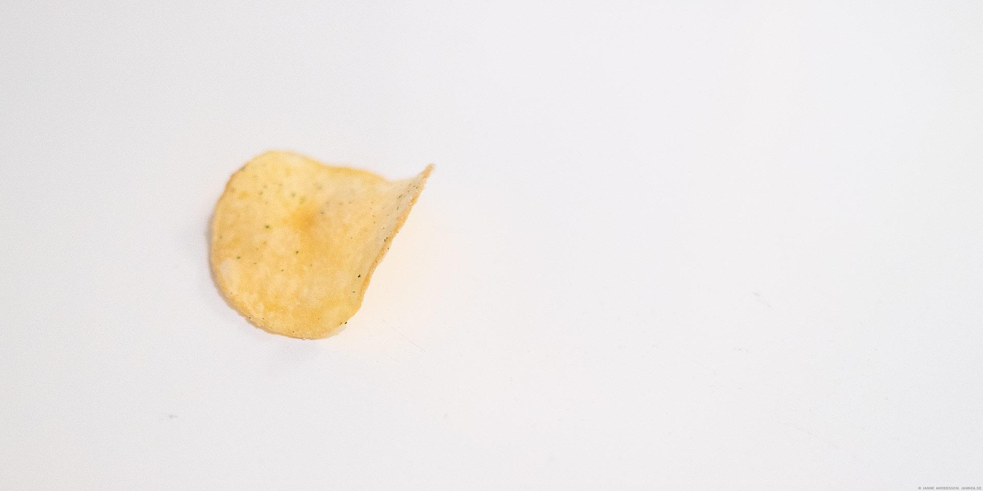 En fredagskväll och ett litet chips | © Janne A
