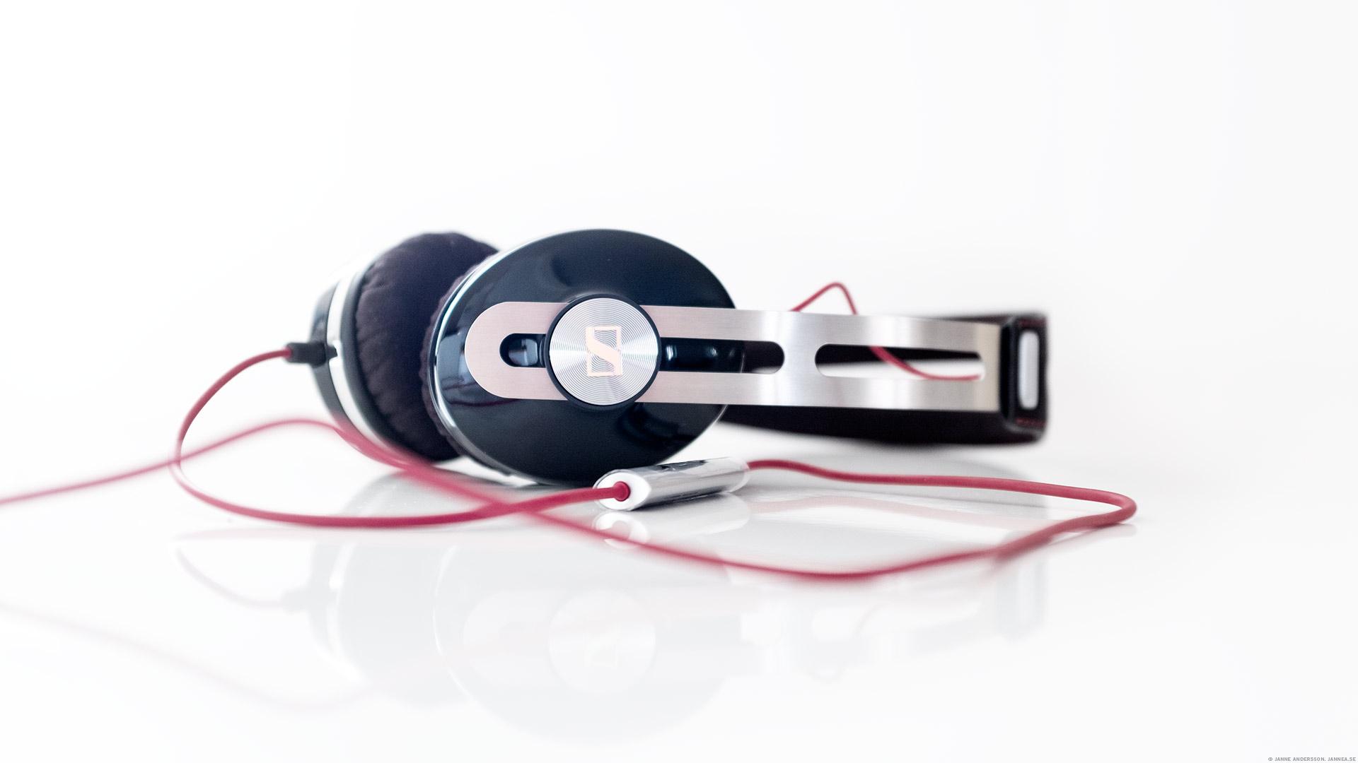 I hörlurarna låter musiken | © Janne A