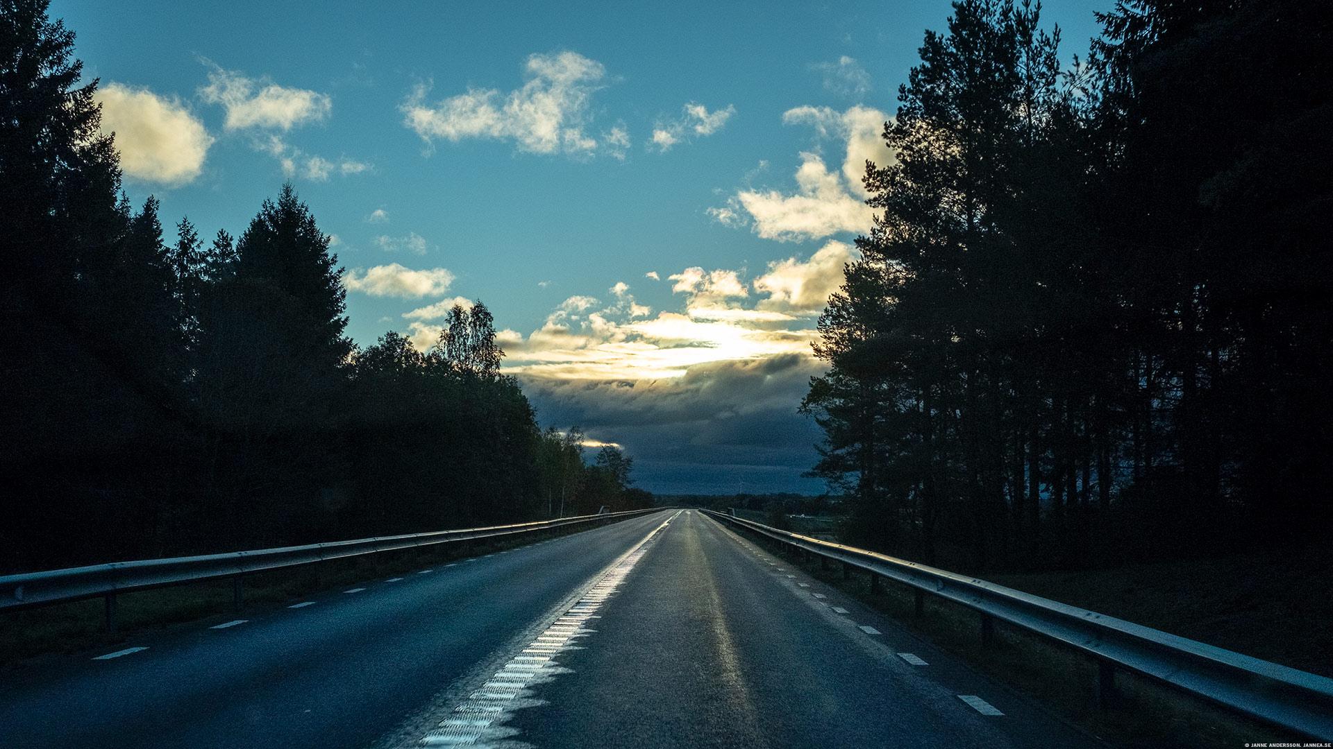 Morgonpendling. Väg 206 mot Linköping | © Janne A