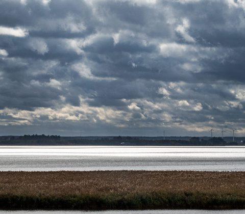 Tåkern och mörka moln | © Janne A