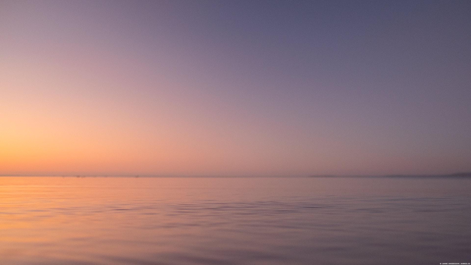 Skimrande ljus över Vättern |© Janne A
