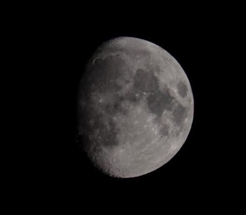 Månen, 84% och ökande | © Janne A