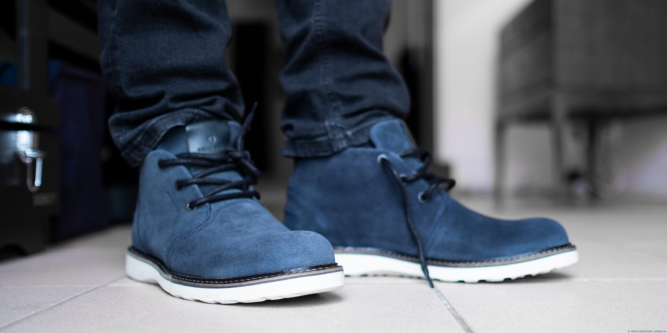You can do anything but lay off of my blue suede shoes | © Janne A