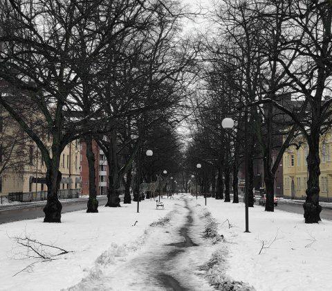 Snöslask i Linköping och en liten bil med växelspak  © Janne A