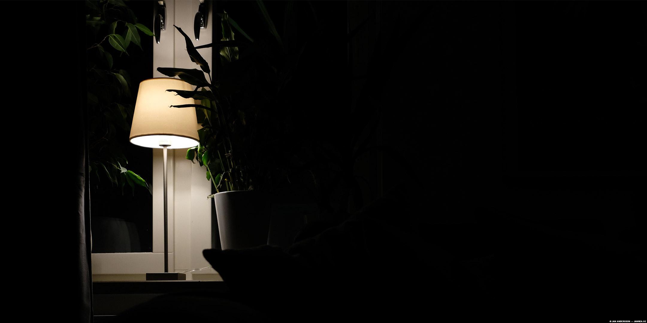 Dåligt ljus i ett mörkt rum fungerar också som test  © Jan Andersson