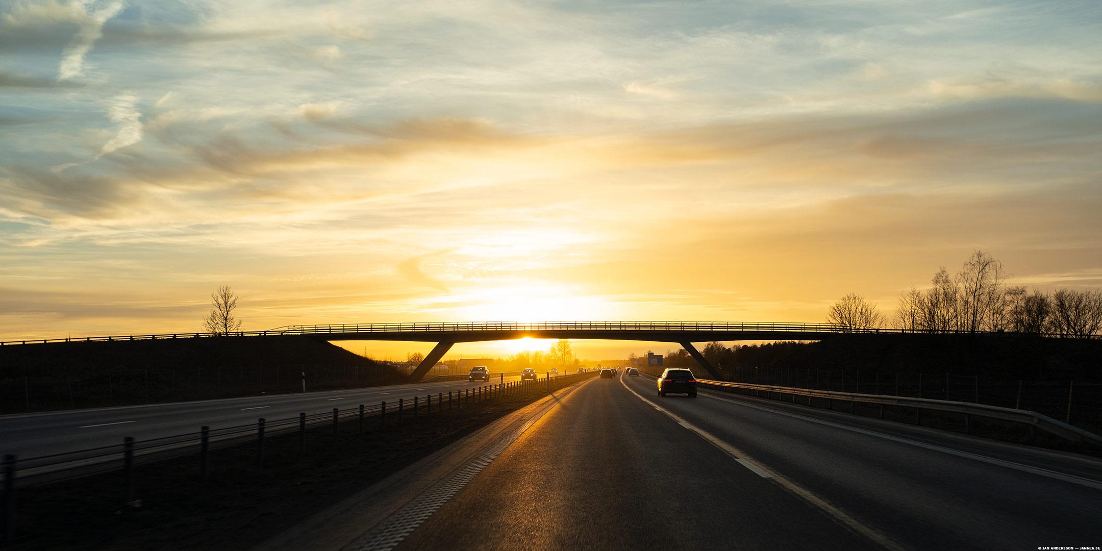 På vägen hem lyser solen i ögonen och jag gillar det |© Jan Andersson