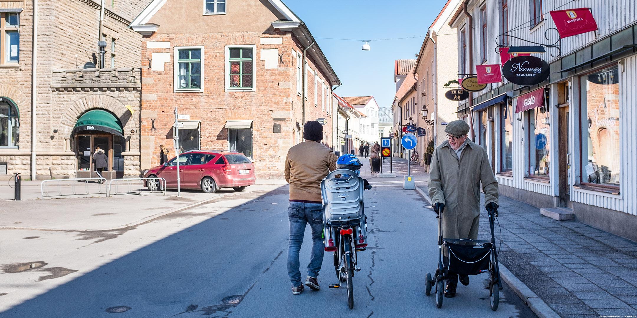 Ett varv på Storgatan och sen hem till terrass och lunch | © Jan Andersson