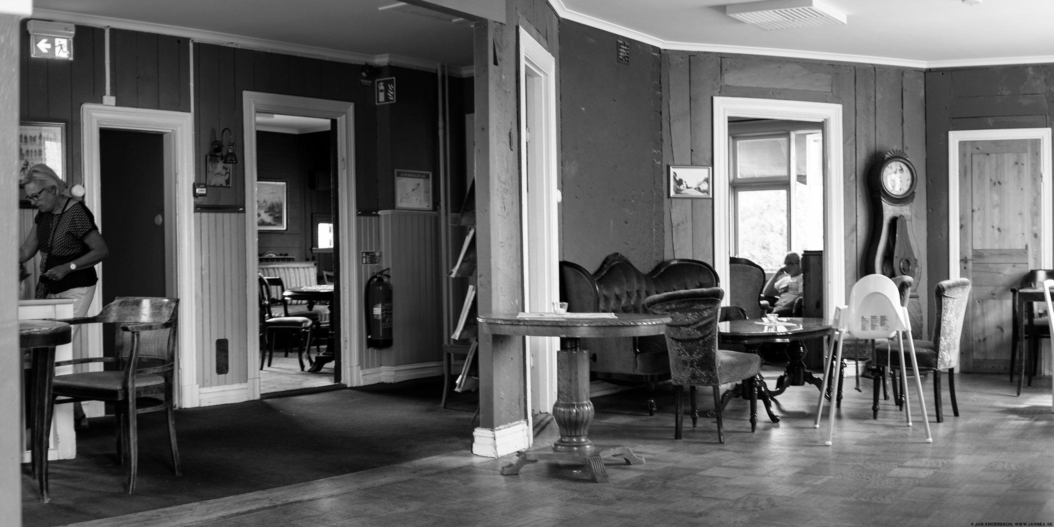 En kaffe i Väderstad och sen hem till lättja ©Jan Andersson
