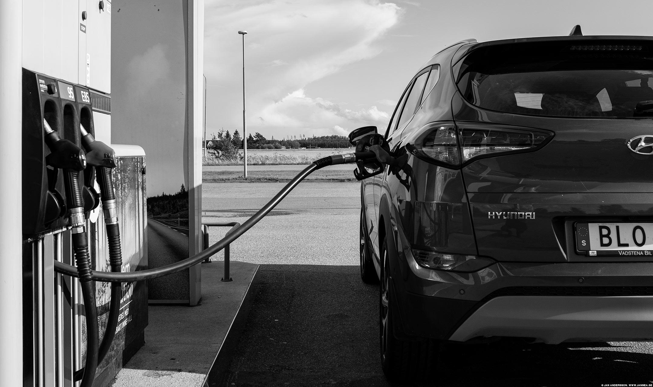 Det där att hälla bränsle i bilen |© Jan Andersson