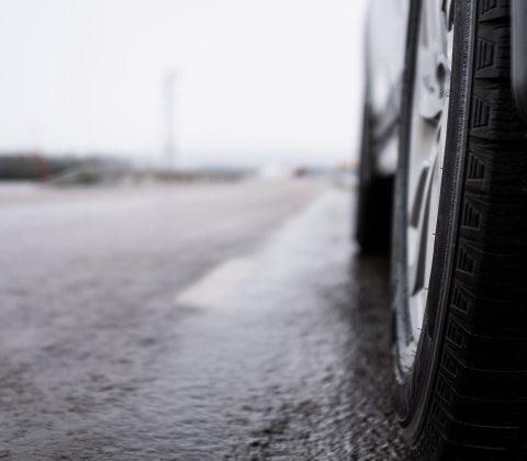 Fram och tillbaka på blöta vägar|©Jan Andersson